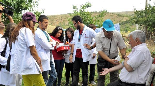 Tıp Öğrencilerinden Köylülere Sağlık Taraması