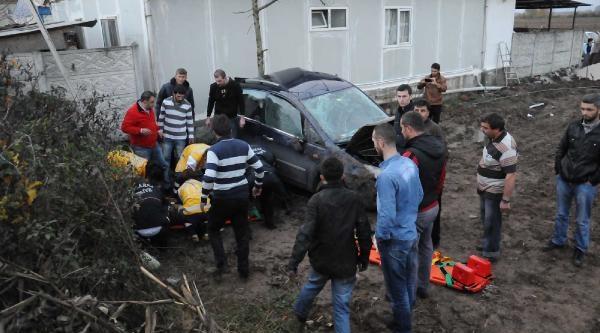 Tir, Emniyet Şeridindeki Otomobile Çarpti: 1 Ölü, 1 Yarali