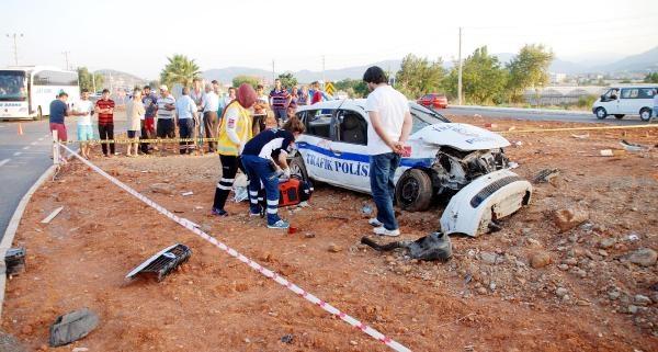 Tır Polis Otosuna Çarpti: 1 Polis Şehit, 1 Polis Ağır Yaralı