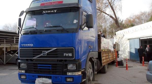 Tir'dan 70 Bin Paket Kaçak Sigara Çikti