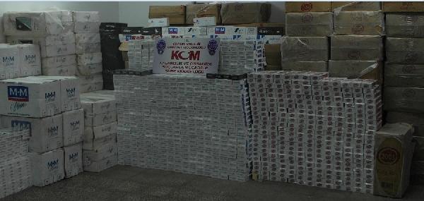Tır'dan 99 Bin Paket Kaçak Sigara Çikti