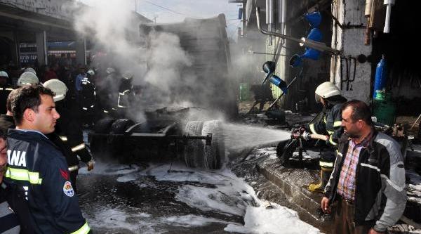 Tir'in Kaynak Yapilan Mazot Tanki Patladi, 4 Kişi Ağir Yaralandi