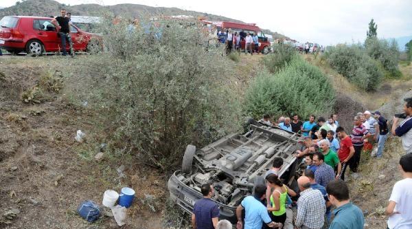 Tokat'ta Minibüs Devrildi: 2 Ölü, 11 Yaralı