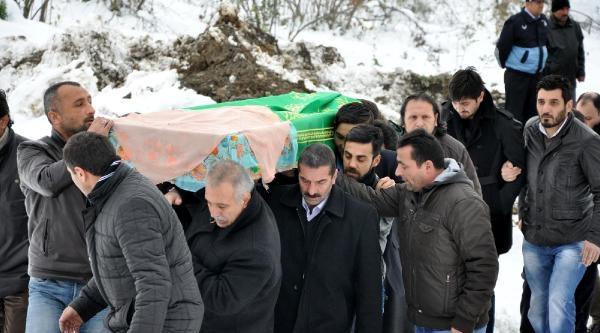 Tolga'nin Annesi Için Beşiktaş Ve Trabzonspor Ağladi  Ek Fotoğraflar