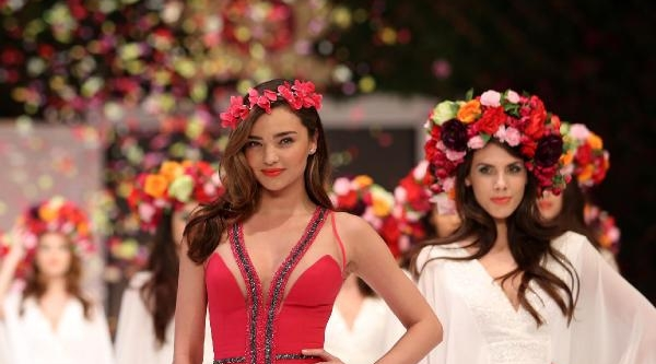 Top Model Miranda Kerr Antalya'da Podyuma Çikti