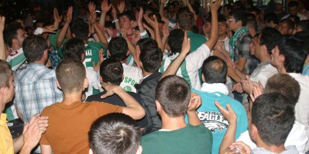 Torku Konyaspor Taraftarlarının Final Sevinci
