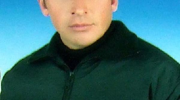 Trabzon Limani'nda Dalga Ve Rüzgar Kabin Devirdi: 1 Ölü, 2 Yarali