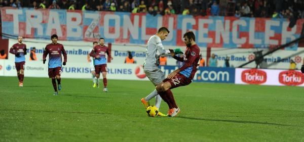Trabzonspor-Bursaspor Maçi Ek Fotoğraflari