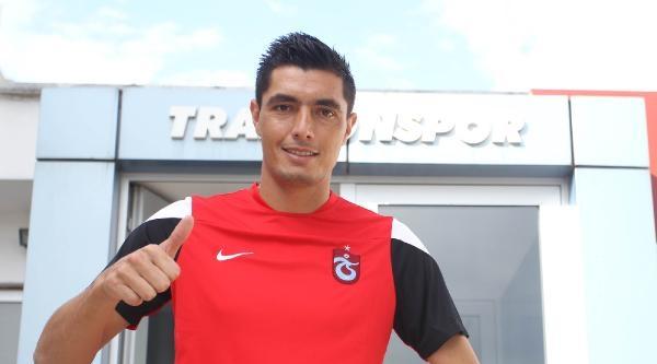 Trabzonspor Cardozo'ya 3 Yıllık İmza Attırdı