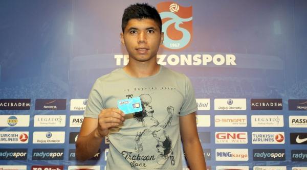Trabzonspor İshak İle 4 Yıllık Sözleşme İmzaladi