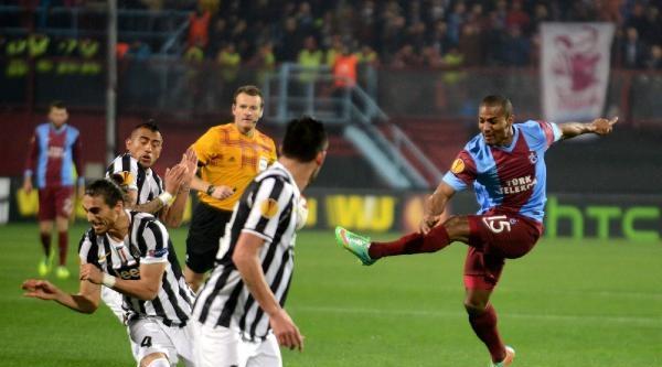 Trabzonspor -juventus Maçı Fotoğrafları