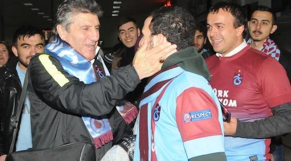 Trabzonspor Kötü Hava Şartlari Nedeniyle Samsun'dan Uçtu