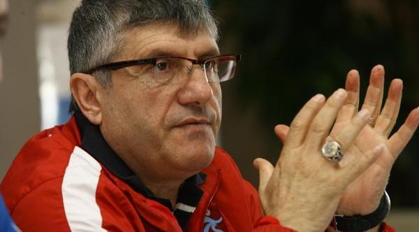 Trabzonspor Teknik Direktörü Akçay: