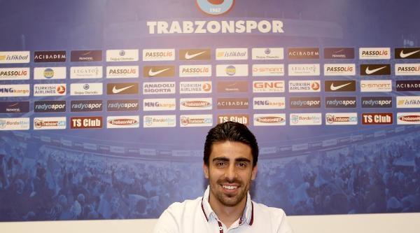 Trabzonspor Turgut Doğan Şahin İle 2 Yıllık Sözleşme İmzaladi