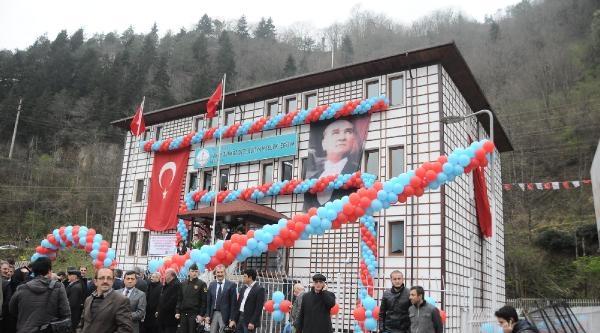 Trabzonspor Yöneticisi Türköz'den Of'a Okul