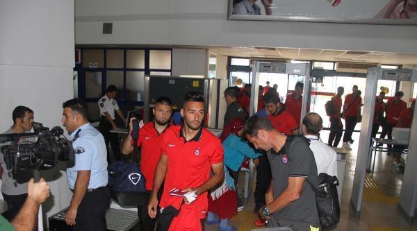 Trabzonspor'da Bosingwa Ve Constant Şoku