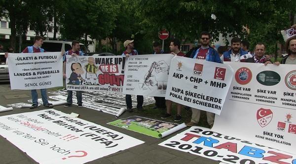Trabzonsporlular Köln'de Gösteri Yaptı
