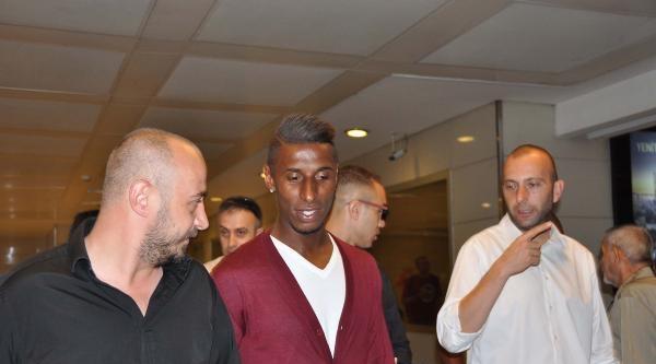 Trabzonspor'un Anlaştığı Constant Geldi