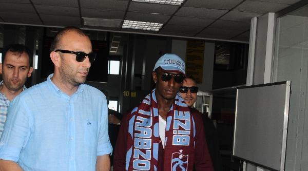 Trabzonspor'un Yeni Transferi Constant Trabzon'da