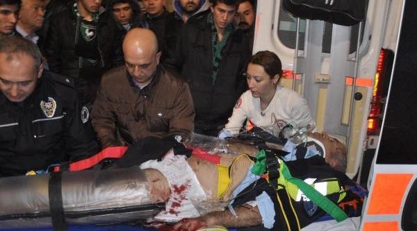 Trafik Polisine Çarpip, Yaraladi