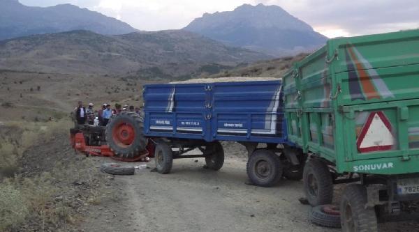 Traktör Takla Attı: Dede Ve Torun Yaralandı