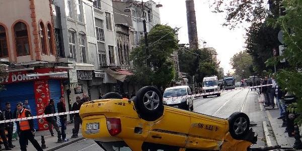 Tramvayin Çarptiği Taksi Takla Atti