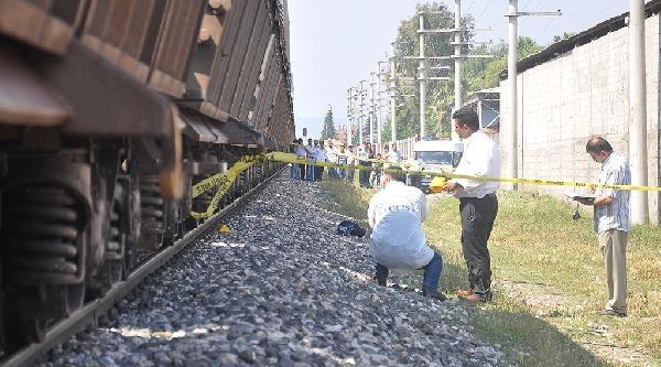 Tren Çarpan İnşaat İşçisi Öldü