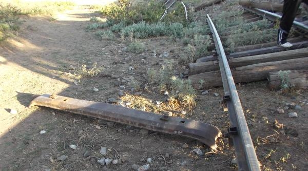 Tren Raylarını Çalarken Suç Üstü Yakalandılar