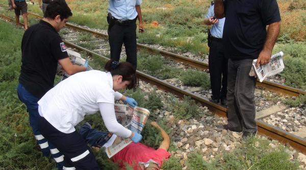 Trenin Çarptiği Genç Öldü