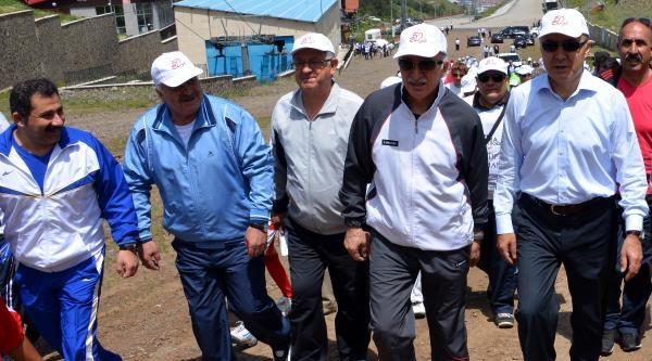 Trt'den 50'nci Yıl Anısına Ejder Zirvesi Tırmanışı
