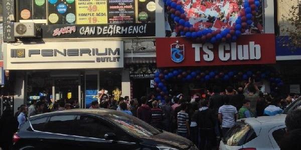 Ts Club Fenerium Mağazasinin Yanina Açildi