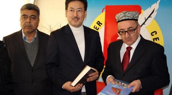 """Tümtürk: """"Çin, Doğu Türkistan'Daki Katliamlarini Terörizme Bulaştirarak Aktariyor"""