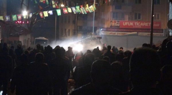 Tunceli'de Berkin Elvan Protestosunda Olaylar Çikti