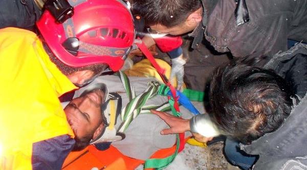 Tunceli'de Köy Korucusunu Helikopterle Kurtarma Operasyonu