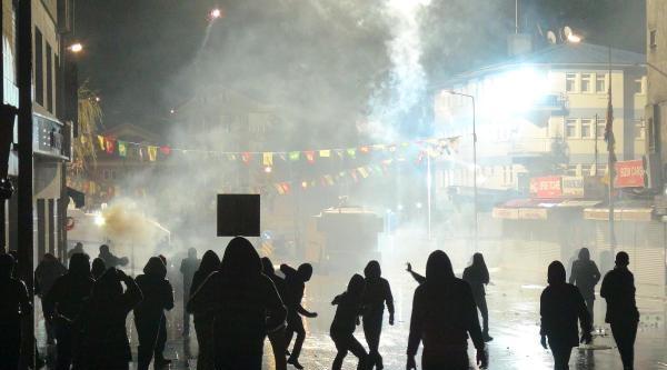 Tunceli'de Olaylar Çikti, Kalp Krizi Geçiren Polis Yoğun Bakıma Alındı