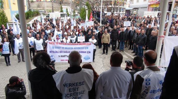 Tunceli'de Sağlık Çalişanlari İş Bıraktı