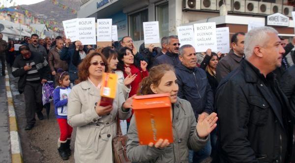 Tunceli'de Yolsuzluk Protestosu