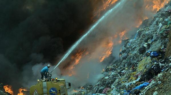 Turgutlu Çöplüğü Alev Alev