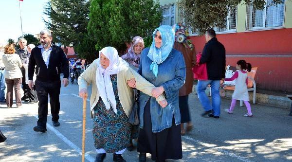 Turgutlu'da Engellinin Oy Çilesi