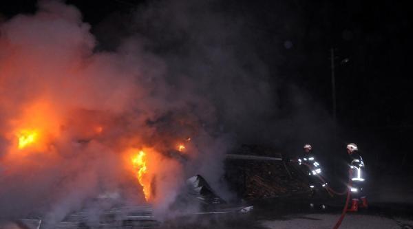 Turgutlu'da İşyeri Yangını Korkuttu