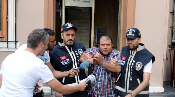 Turistlere Biber Gazı Sıkan Taksici Yakalandı