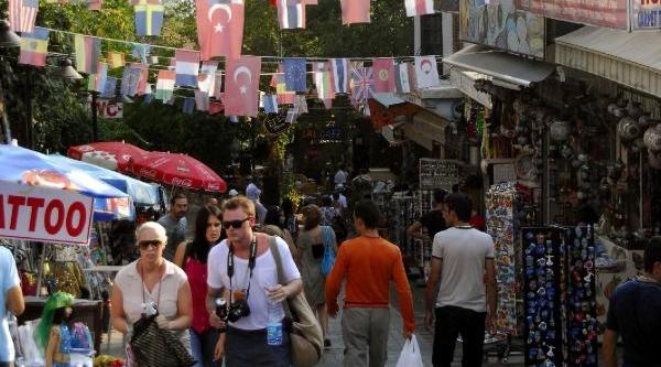 Turizmci 2014 Yilindan Umutlu