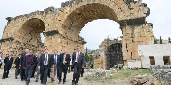 Turizmcilere Hierapolis Brifingi