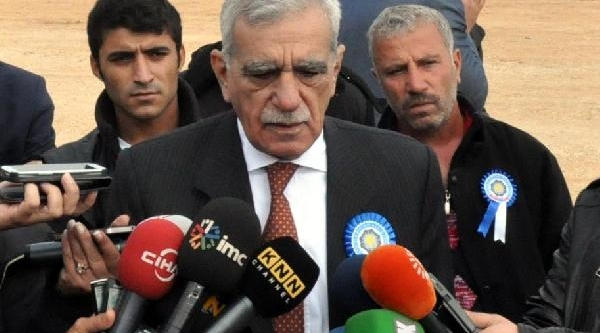 Türk: Barzani'nin Başbakan'in Daveti Üzerine Gelmesi Kürtler Arasinda Tartişmaya Neden Olur