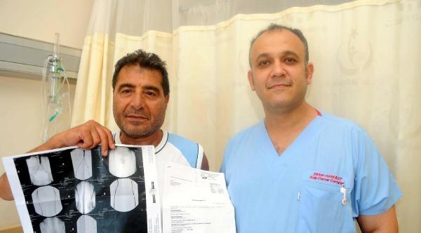 Türk Doktor 'kesilecek' Denilen Bacağı Kurtardı