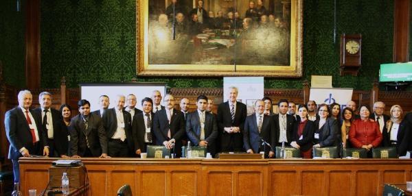 Türk Doktorlar İngiltere Parlamentosu'nda Tıp Bayramını Kutladı