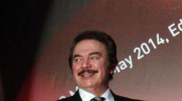 Türk Dünyası'ndan Orhan Gencebay'a Kızıl Elma Ödülü