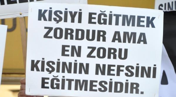 Türk Eğitim-sen'den Milli Eğitime Siyah Çelenk