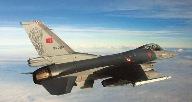 Türk F-16'lara 16 Dakika Taciz...