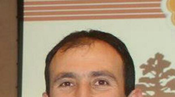 Türk Gencine Çekiçli Saldırı